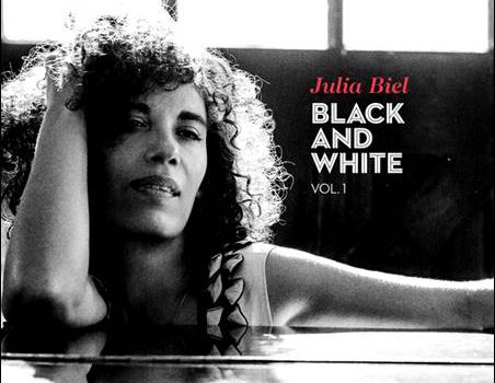 Julia Biel – Black And White Vol. 1